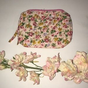 Just In!🆕🌸Pink Quilted Makeup Bag